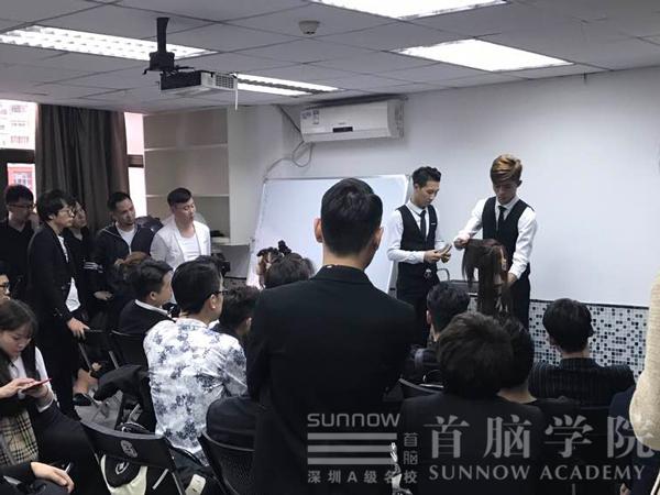 首脑学院为2017深圳时装周进行化妆造型培训